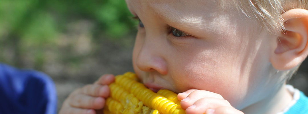 boy-eating-corn-on-the-cob